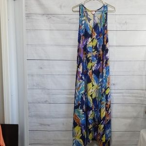 Super cute flowy dress
